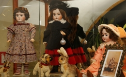 Exhibition of dolls hasopened
