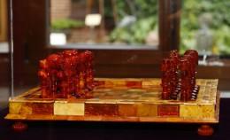 Только с 6 по 13 августа янтарные шахматы будут...