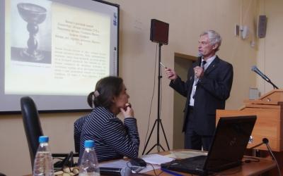 Speech of the amber artist, member oftheKaliningrad Branch ofCteative Artists' Union ofRussia AlexandrKorolyov