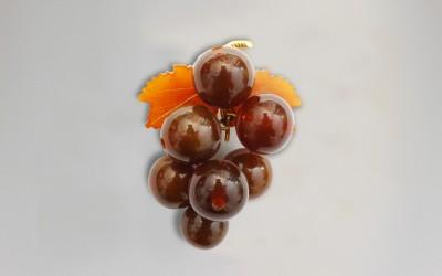"""Brooch """"A Bunch of Grapes"""". 1953 Kaliningrad Amber Combine, Kaliningrad region, Yantarnii"""