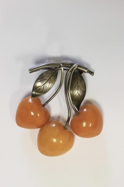 "Brooch ""Cherry"". 1930s Konigsberg STate Amber Manufactory (1926–1945), East Prussia"