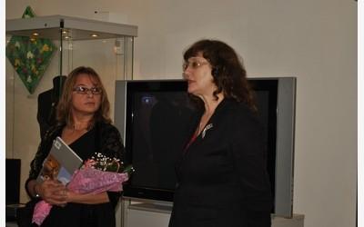 Справа - Ирена Волова, эксперт по винтажу (Калининград)