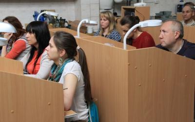 На мастер-классе в Калининградском     художественно-промышленном техникуме