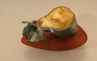 Скульптура «Груша». 2006 Автор Ольга Бадмаева, Калининград – Пенза