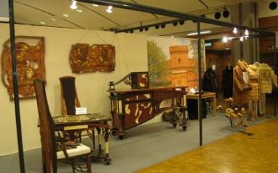 Коллекция меховых манто, расшитых кружевами и янтарем (изготовитель – ателье «Валери»)